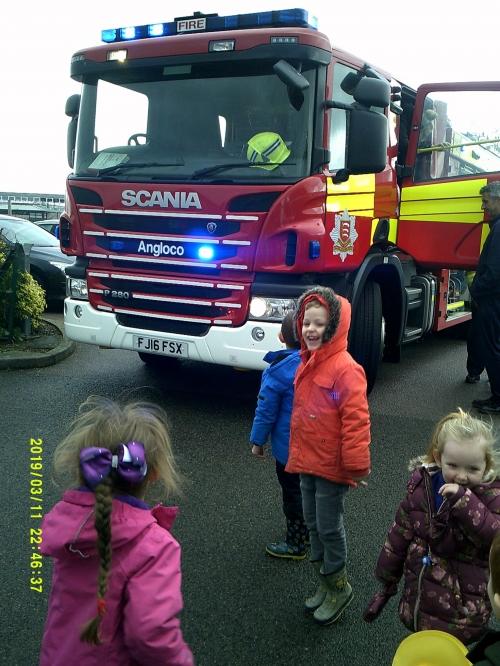 Fire engine 2-2